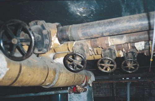 Manual steam valves provided zoned heating prior to electric valves.